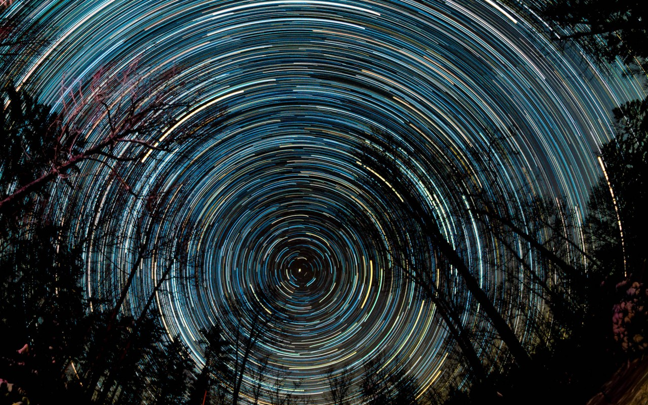 Three-hour star trails around Polaris